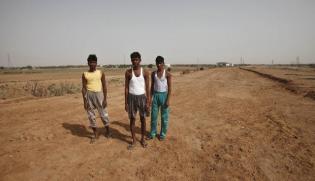 On Eve Of Key Land Bill Meet, Ahluwalia Seeks To Soften Opposition