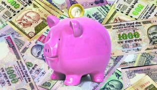 Rajan Welcomes Rs 25,000-cr Govt Lifeline To PSU Banks; Shares Rejoice